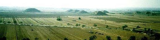 Pyramiden in China, Xi'an Pyramidenfeld