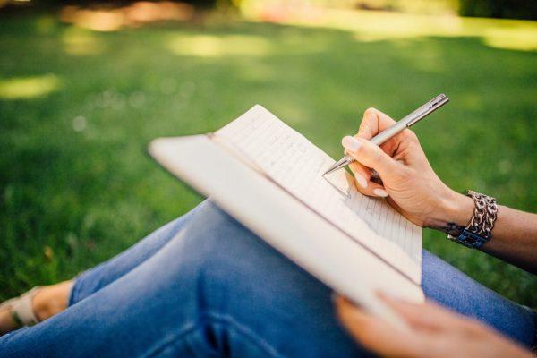 Kreatives Schreiben im Park