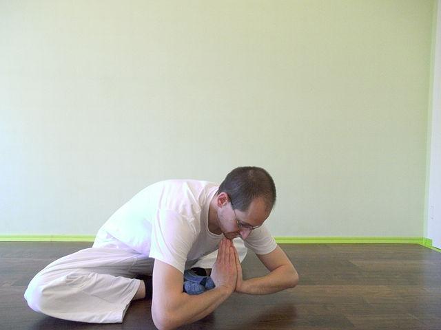 Alternative Makko Ho Übung für Herz- und Dünndermmeridian.