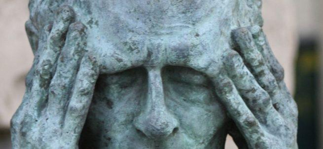 Statue von Dr. Andrei Dmitrievich Sakharov als Symbol für Migräne