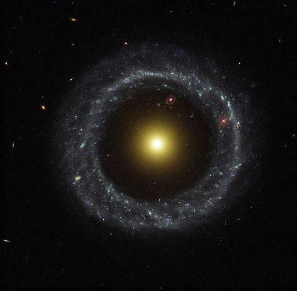 Die 600 Millionen Lichtjahre entfernte Polarring-Galaxie Hoags Objekt