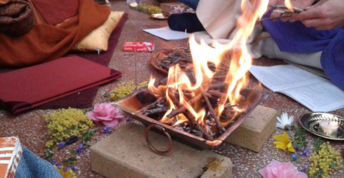 Das Agnihotra (Homa) Feuer für die Homa-Therapie