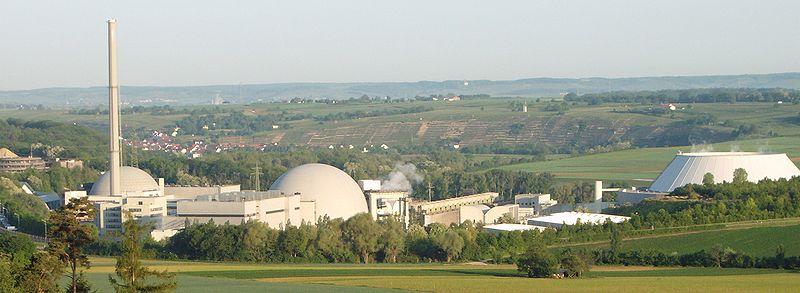 Hybridkühler und Zellenkühler des Atomkraftwerks Gemeinschaftskraftwerk Neckar (GKN) bei Neckarwestheim