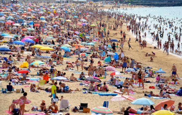 Menschenmenge am Strand