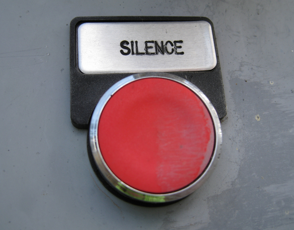 Roter Ruhe Knopf - Red Silence Button