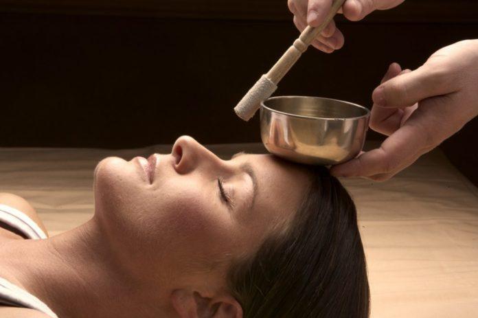 Klangtherapie und Klangmassage - Klangschalentherapie