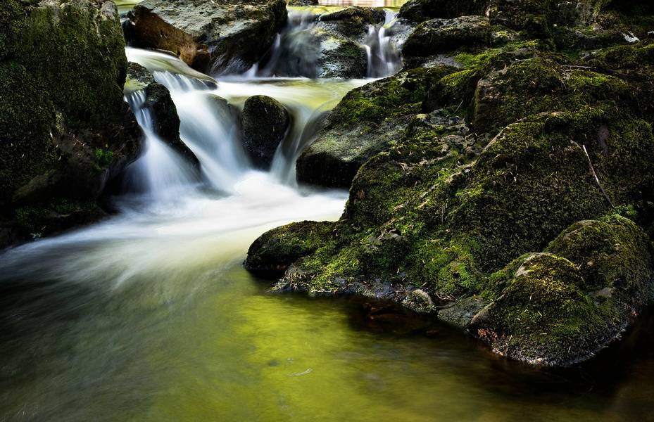 Wasserfall bach in Irland Galeway