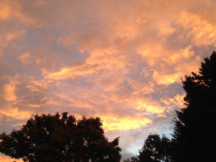 Wolke sinnbildlich für Gedankenwolke