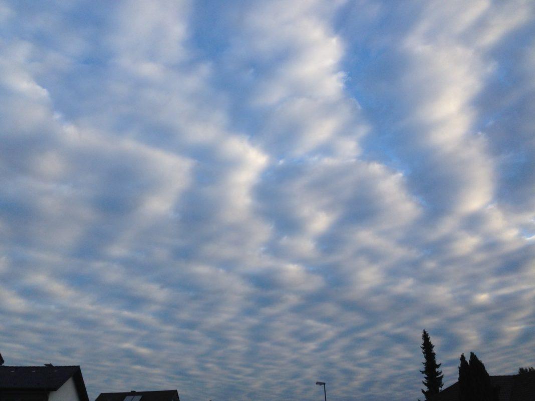 Wolkenstreifen am Himmel