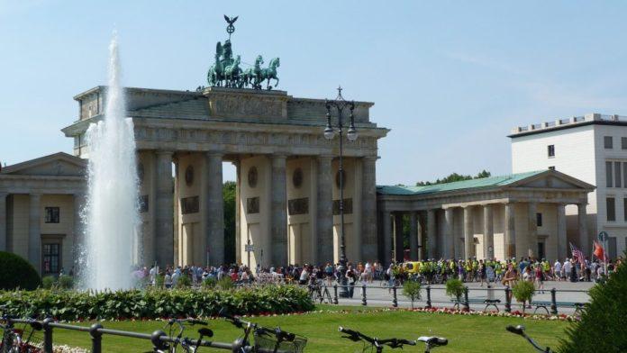 Ein Sommertag am Brandenburger Tor