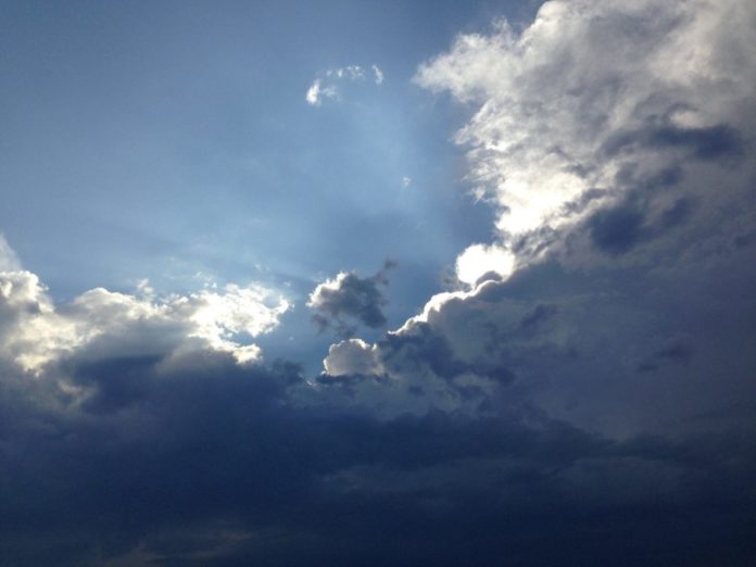 Blick zu Jesus in den Himmel