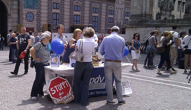 Informationsstand der Partei der Vernunft (pdv) in München