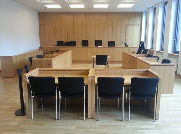 Gerichtssaal des Justizzentrums Aachen