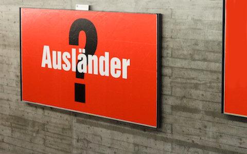 Plakat_SVP_2010_Volksbefragung_Auslaender