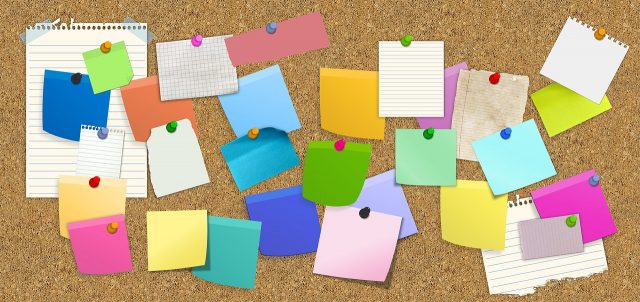 Eine der 10 Kreativitätstechniken: Post it Notizen