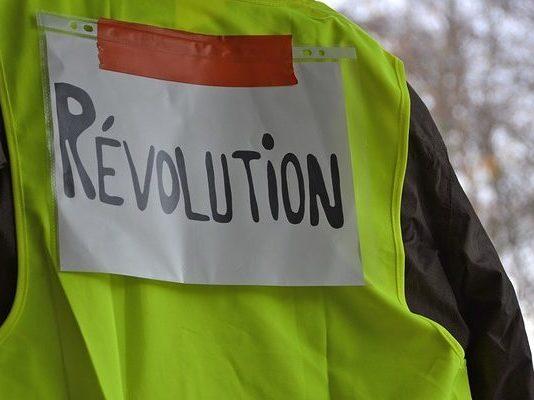 Gelbe Westen machen Revolution