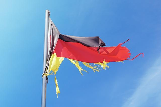 Zerrissene Deutschland Flagge