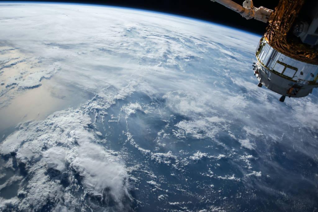Green Planet - Gründer Virus um die Erde